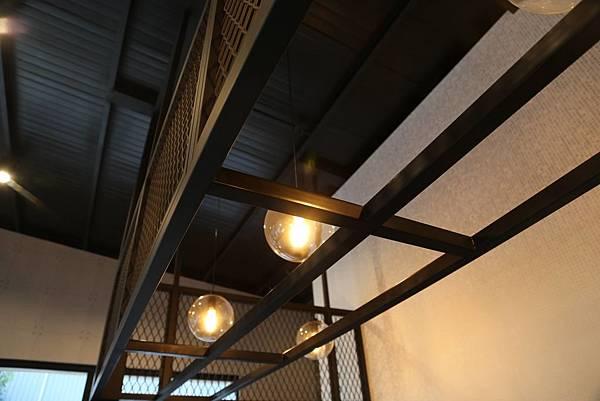 鐵網懸吊燈架