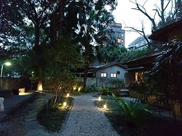4-4庭園.JPG