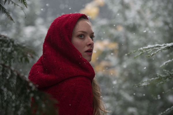 red_riding_hood_movie_image_amanda_seyfried_02.jpg