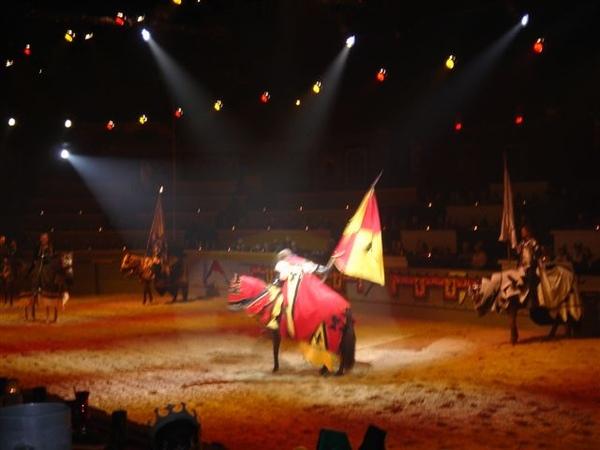 介紹騎士出場--red&yellow