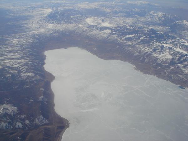 結冰的某湖
