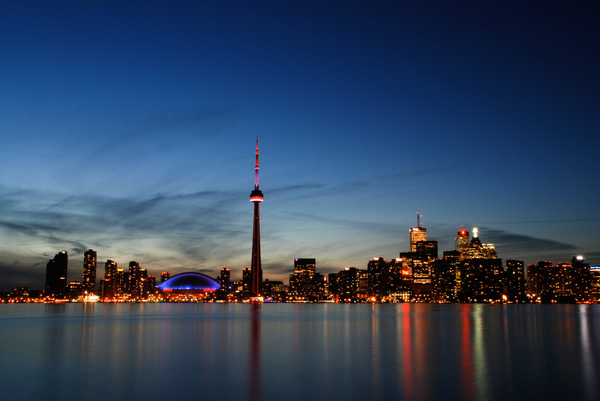 Toronto-night-skyline-by-Brian-Chu.jpg