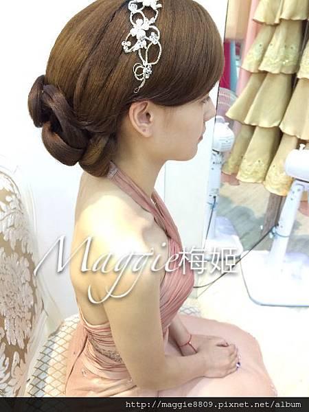 典雅低髮髻造型