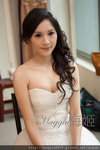 新娘髮型.中長髮髮量少.髮質乾燥型變化