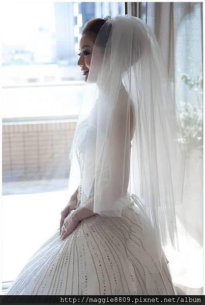 BRIDE001.jpg