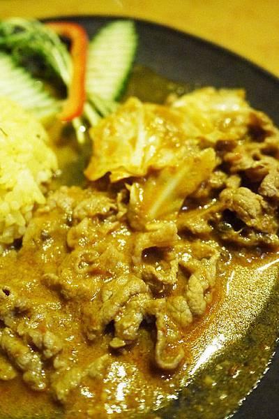 宜蘭羅東美食【南瓜歐風咖哩】羅東主題餐廳。羅東夜巿閒晃+文昌路酢醬麵