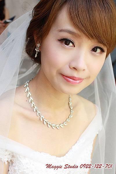完顏悅色新娘秘書。綠茵Maggie彩妝造型設計。新娘秘書。新秘。韓風新娘。編髮造型.JPG