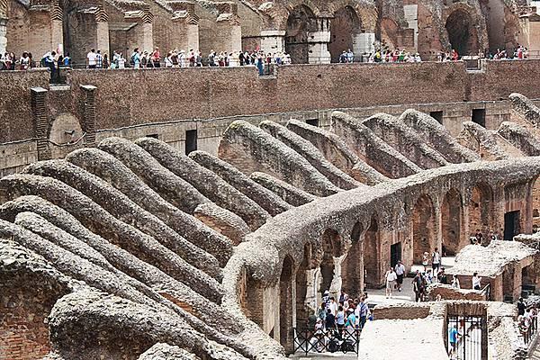 【玩瘋義大利】羅馬假期~古羅馬競技場(鬥獸場)、君士坦丁凱旋門、聖天使古堡