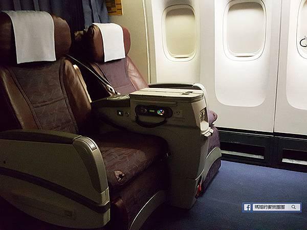 加拿大風情【台北-溫西哥華航豪華經濟艙初體驗】長途飛行真的好需要!