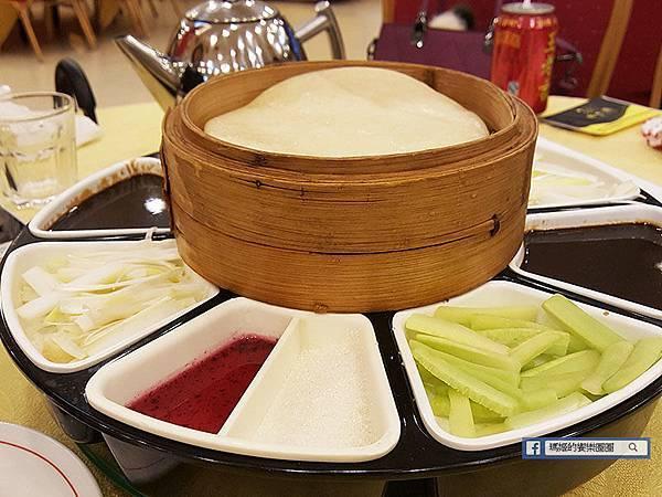 上海美食【全聚德烤鴨閘北店】中華第一烤鴨。鴨肉嫩鴨皮脆~果真好鴨