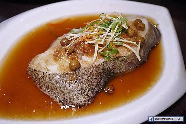 桃園美食【櫻桃庄海鮮創意料理】必吃桃園櫻桃鴨。滑鴨粥比龍都還好吃。桌邊片鴨秀。桃園中式料理。中菜料理