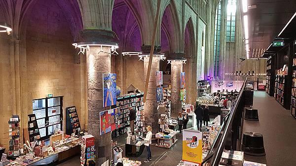 春遊荷比盧【馬斯垂克-天堂書局】荷蘭最古老的城市。世界最美的書局