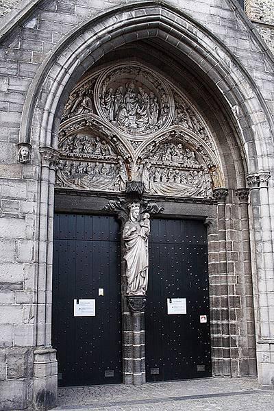 I春遊荷比盧【比利時布魯日】愛上絕美中世紀古城。歐洲北方小威尼斯/睡美人