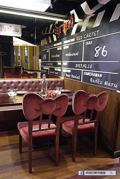 林口美食【Hello Kitty Red Carpet美式餐廳】女孩的粉紅泡泡。林口三井美食。林口三井美式餐廳。親子餐廳。主題餐廳