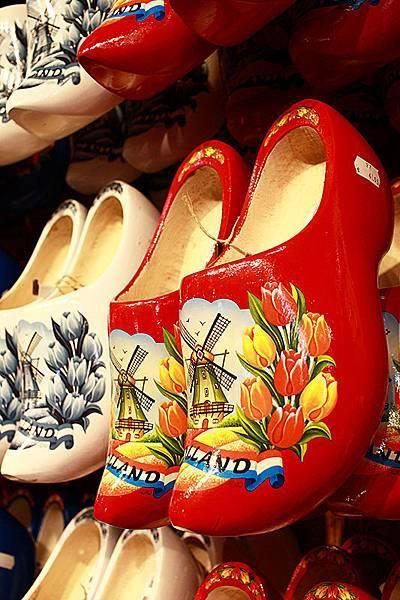 春遊荷比盧【阿姆斯特丹風車村】阿姆斯特河遊船。起司工廠。木鞋工廠
