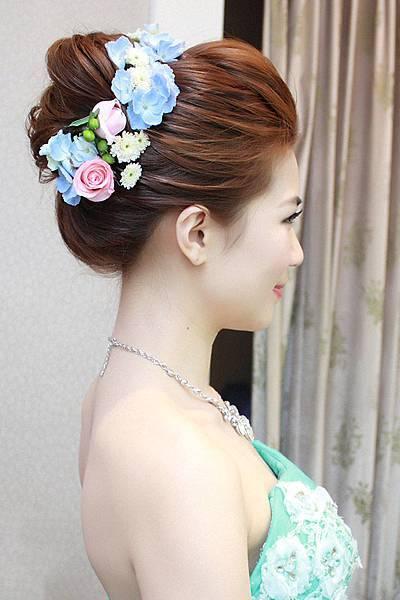 專屬新娘鮮花造型推薦-台北新秘綠茵