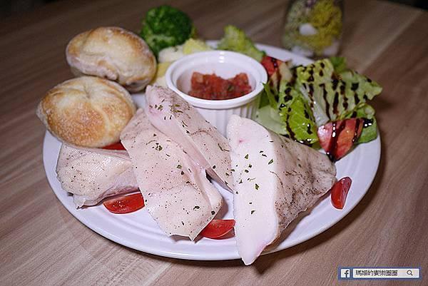 新莊美食【Foodie Life】新莊義大利麵。捷運新莊站美食
