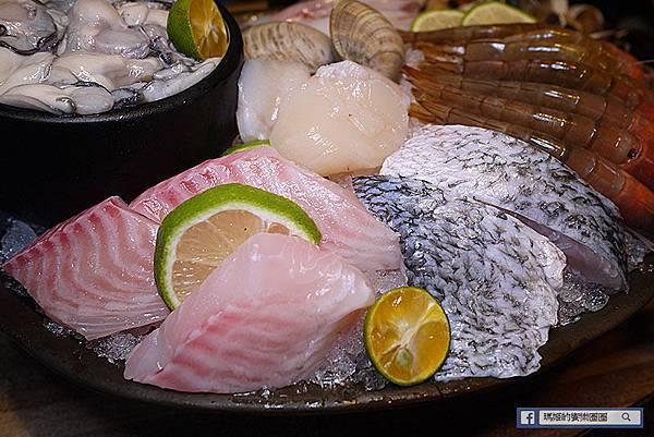 民生社區火鍋【極蜆鍋物】雙人海陸套餐超澎湃~蛤蜊湯頭鮮甜無比〡民生社區美食