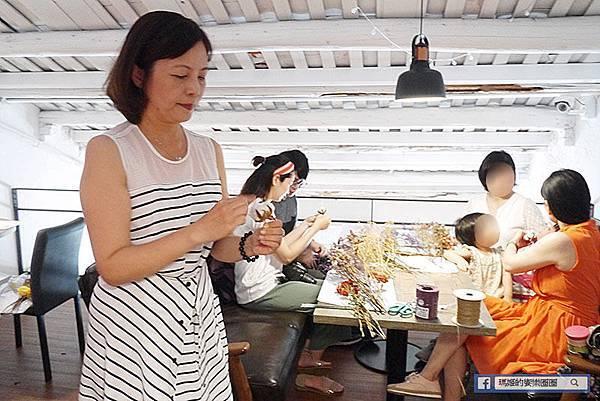 淡水花藝課程【花現花藝教室】韓式乾燥花束課程、日本永生花證照Annie老師教學~來與花共舞吧!