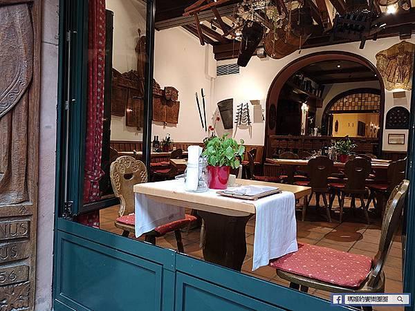 德國景點【呂德斯海姆Rudesheim】萊茵河畔中古風木造建築/畫眉鳥巷/迷人的葡萄酒觀光小鎮
