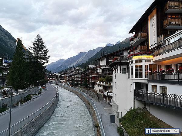 瑞士景點【策馬特Zermatt】瑞士滑雪勝地/馬特洪峰賞日出景點/絕美山城小鎮/冰河列車