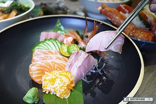 八里美食【福悅日式食堂】龍蝦海鮮丼每日限量優惠/最超值的綜合生魚片滴加!八里日式料理推薦