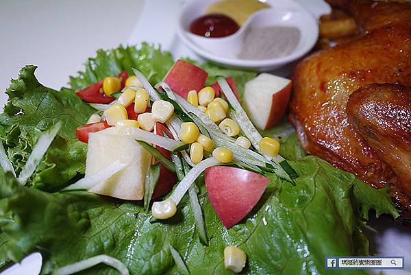 西門町咖啡館【Oyami Caf'e】獨立包廂用餐防疫安心餐廳/童話鄉村風咖啡館/西門町美食