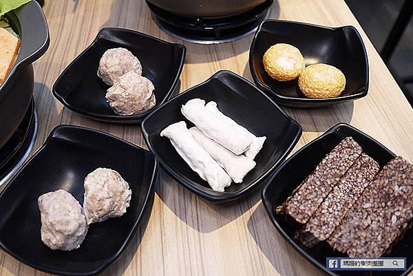 板橋小火鍋【酷吉火鍋】高CP值百元小火鍋/爆米花冰淇淋飲料自助無限/板橋美食