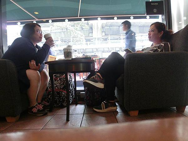 2016/02/29 Day 9 最後一天的行程了 再來星巴克喝一杯再來台灣吧!