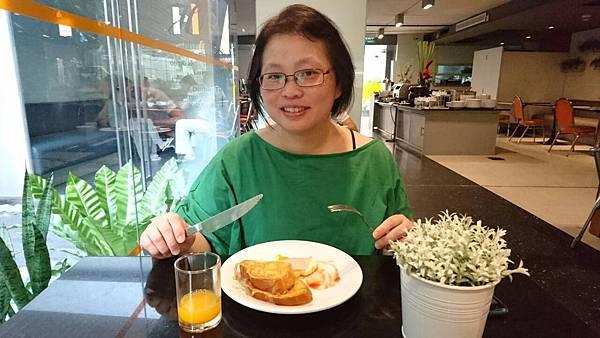 2016/02/26 Day 6 飯店每天都有附早餐 我們還滿滿意天天有免費早餐可吃呢!