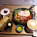 2017/06/17 A Little More 成大店 用餐