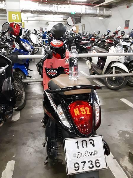 20180706 MAYA 百貨地下室停機車處