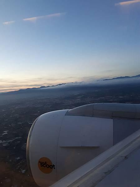 20180710 凌晨飛機飛台灣桃園機場