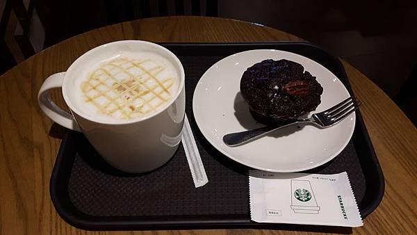 20181024 早上喝星巴克  在慶州