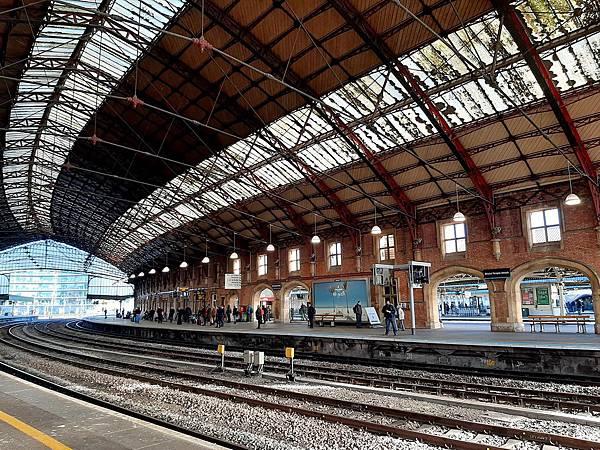 20200115 Day 8 Bristol車站內