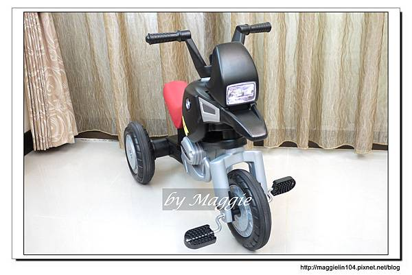 BMW兒童腳踏摩托車 (4).JPG