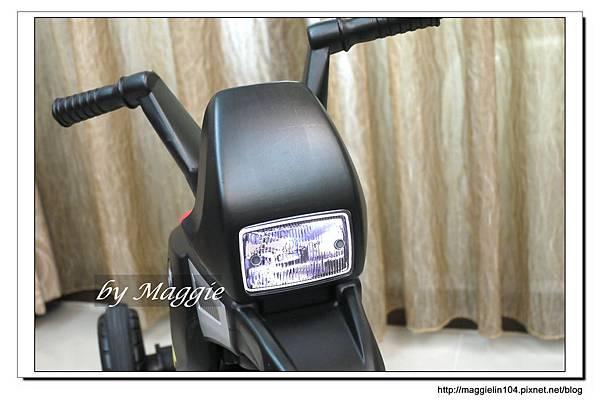 BMW兒童腳踏摩托車 (9).JPG