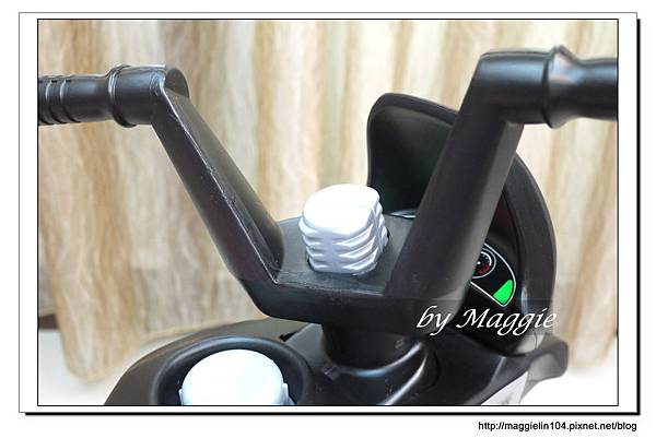 BMW兒童腳踏摩托車 (12).JPG