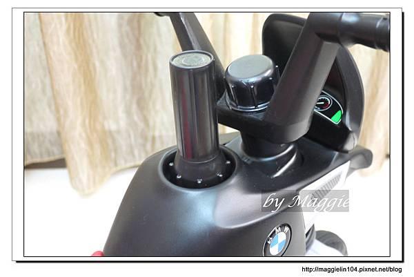 BMW兒童腳踏摩托車 (16).JPG