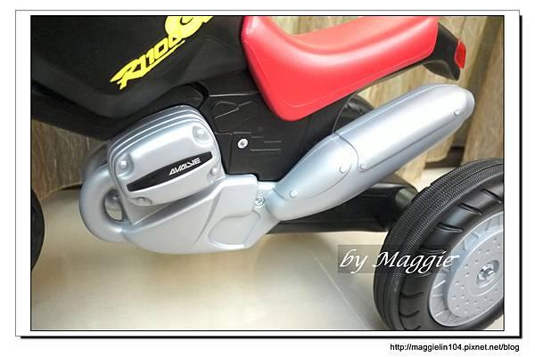 BMW兒童腳踏摩托車 (19).JPG