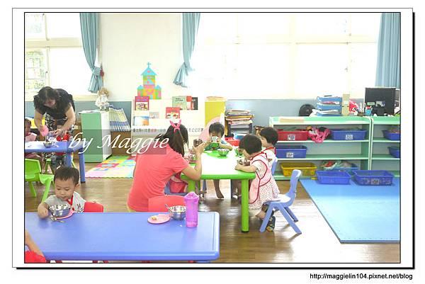 2013.08.30小福星上學囉! (22).JPG