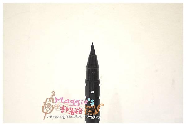 LSY林三益hello kitty眼線液筆 (7).JPG