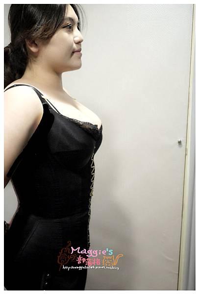 蘿琳亞 塑身衣 (51).JPG