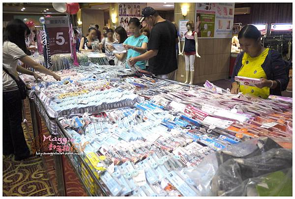 2014.07 mothercare特賣會 (14).JPG
