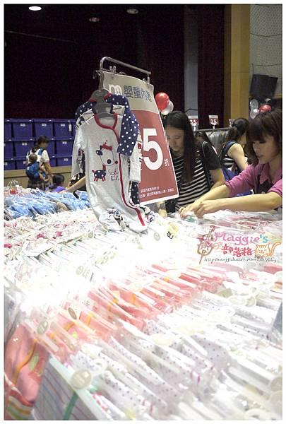 2014.07 mothercare特賣會 (23).JPG