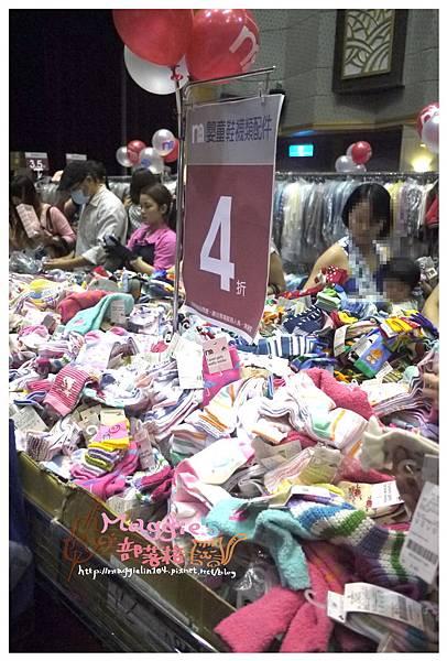 2014.07 mothercare特賣會 (28).JPG