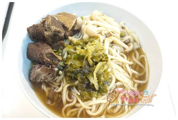 極品牛肉麵 (8).JPG