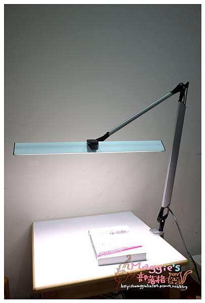 MAGIC學習型雙臂LED護眼臂燈 (18).JPG