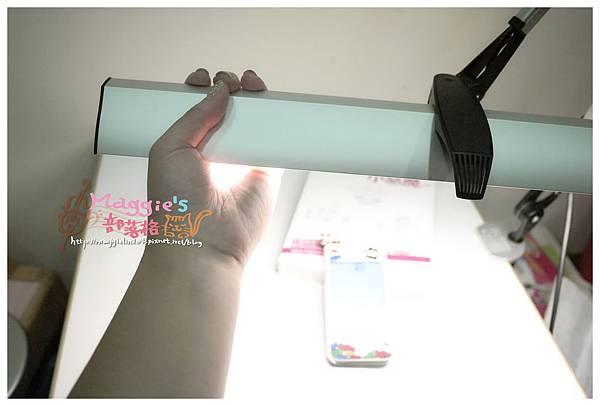 MAGIC學習型雙臂LED護眼臂燈 (23).JPG
