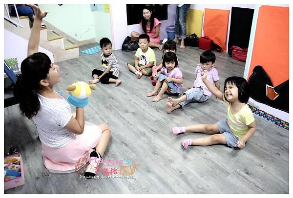 MAMI-BABY&KIDS日文音樂繪本遊樂園 (6).JPG